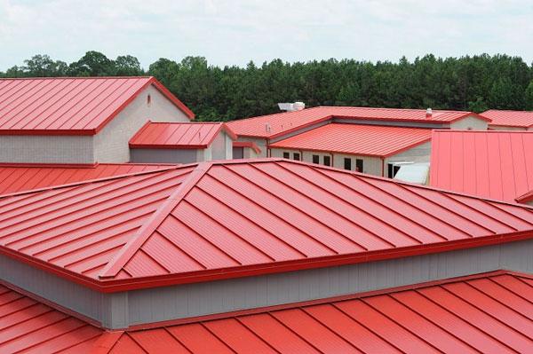 Độ dốc của mái tôn vẫn cần đảm bảo được tính thẩm mỹ, bắt mắt cho toàn bộ công trình của bạn