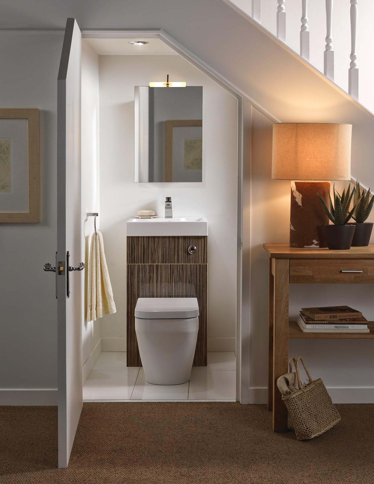 Mẫu nhà vệ sinh đơn giản thiết kế dưới gầm cầu thang