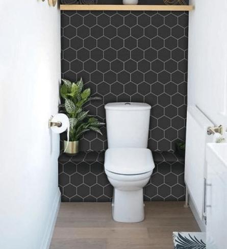 Gạch ốp nhà vệ sinh họa tiết tổ ong mang đến sự hài hòa